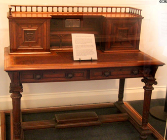 Queen Victoria Desk